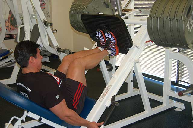 Come sviluppare quadricipiti mostruosi. Leg Press